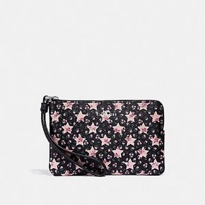 NWT Coach adorable star wristlet!! PRICE FIRM